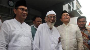 Abu Bakar Ba'asyir Dilarikan ke Rumah Sakit dengan Pengawalan Ketat Densus