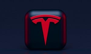 Tesla Tulis Ulang Software Kendaraannya Akibat Kelangkaan Chip