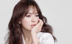 Song Hye Kyo Ungkapkan Ketertarikannya Belajar Bahasa Asing dan Sejarah