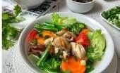 Hangatnya Sup Sayur Ayam untuk Pelindungan dari Flu