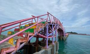 Makna Mendalam Jembatan Cinta di Pulau Tidung
