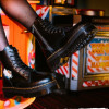Bosan Pakai Sneakers? Intip 4 Inspirasi #OOTD Keren Menggunakan Boots Dr. Martens