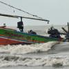 Cuaca Buruk Nelayan Nekat Melaut. Akhirnya ...