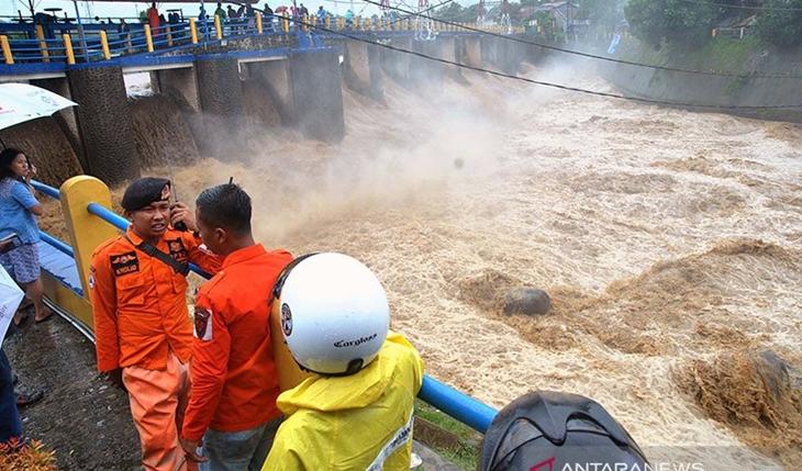 Jakarta Kembali Banjir karena Guyuran Hujan Deras, Anies Dinilai Kelabakan