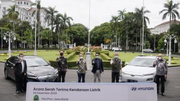 Ridwan Kamil Jadi Gubernur Pertama Jadikan Mobil Listrik Jadi Kendaraan Dinas