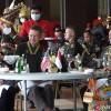 Jenderal Andika Jamu KSAD AS dengan MakananTradisional Indonesia