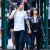 Travis Barker dan Kourtney Kardashian Resmi Bertunangan