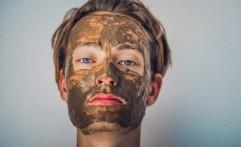 Kesalahan Saat Memakai Masker Wajah