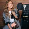 Jennifer Lopez x Coach Hadirkan Koleksi Tas Kulit Hutton Coach