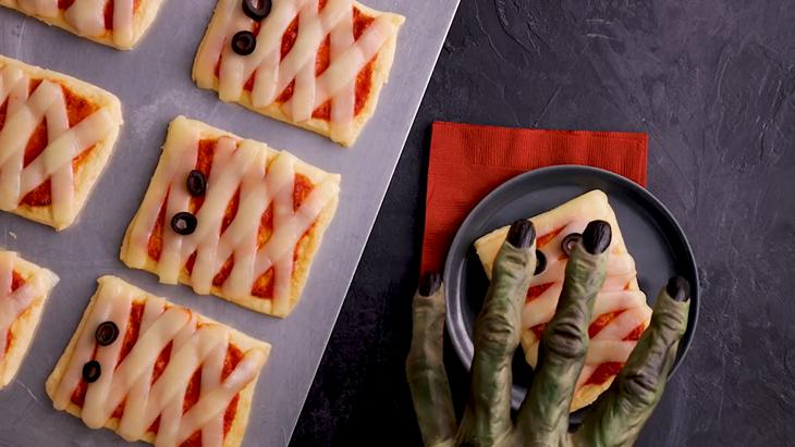 Crescent Roll Pizza Mummy, Bikin Perut Kenyang Seperti Makan Nasi