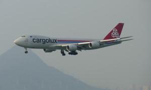 Perangi COVID-19, Boeing 747 Pakai Masker