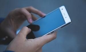 Tiga 'Dual-Screen Smartphone' Harus Banget Kamu Ketahui Fungsinya Sebelum Membeli!