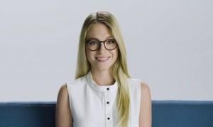 Gaya Rambut Sempurna Untuk Perempuan Berkacamata