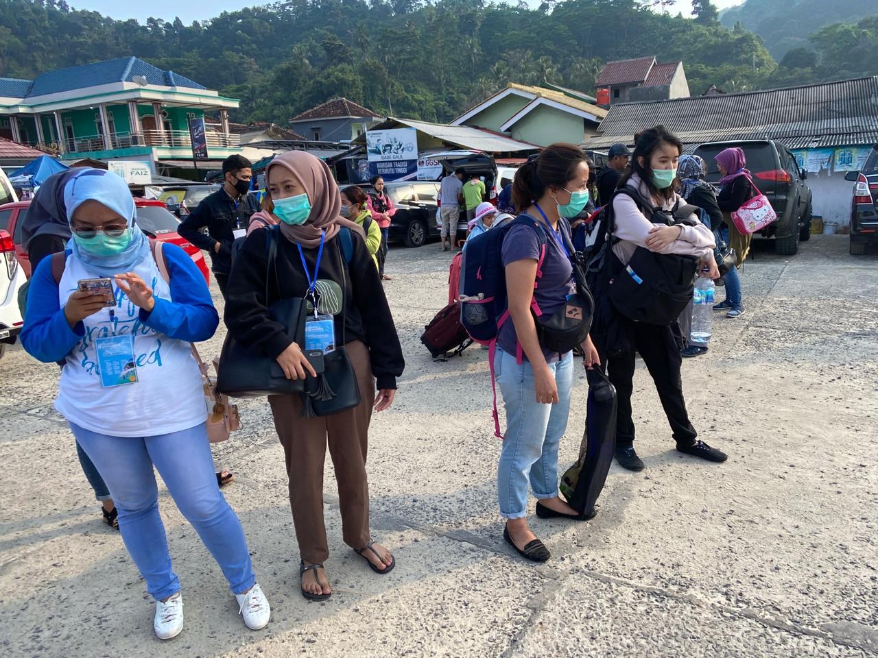 Semua peserta harus menggunakan masker dan membawa hand sanitizer masing-masing meski telah disediakan di tempat. (Foto MP/Shenna)