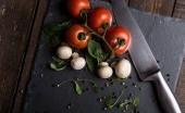 Agar Nutrisi Terjaga, Begini Cara Memotong Sayur yang Benar