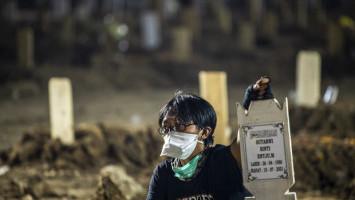PSI Desak Anies Jelaskan Pemborosan Rp 3,3 Miliar Pengadaan Tanah Makam COVID-19