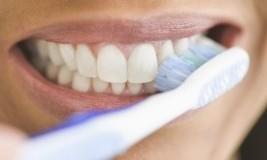 Sangat Mudah membuat Gigi Putih Bersih, Jauhi Penyebab Kusamnya