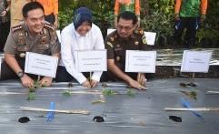 Wali Kota Risma Ajak Warga Surabaya Jaga Kebersamaan dan Persatuan