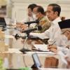 Rekor Kasus Harian COVID-19 Pecah, Jokowi 'Semprit' 2 Provinsi