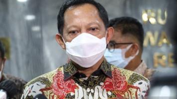 Tito Tegaskan Vaksin Bukanlah Obat