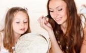 Rahasia Kecantikan ala Ibu yang Patut Ditiru