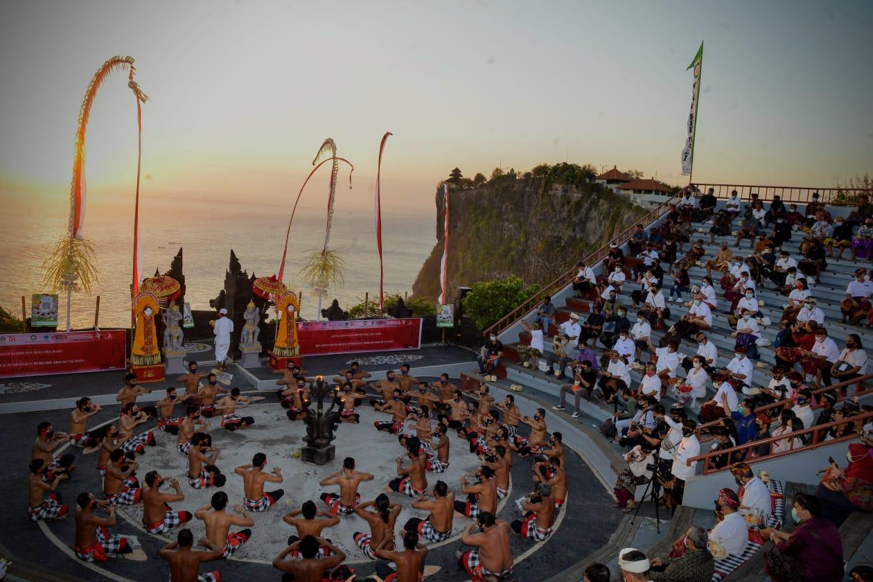 Pembukaan Wisata Bali Bagi Asing Harus Hati-hati