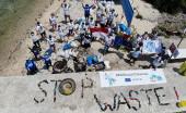 Uni Eropa dan Komunitas Lokal Kampanyekan #EuBeachCleanup