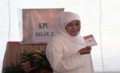 Exit Pool SMRC: Khofifah-Emil Unggul Tipis dari Gus Ipul-Puti