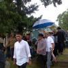 Ratusan Orang Sambut Jenazah Bob Sadino di TPU Jeruk Purut