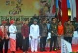 Cap Go Meh, Jokowi Bagi Angpao ke Barongsai