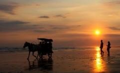 Indahnya Sunset di Pantai Parangtritis