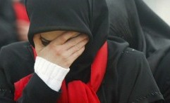Dipaksa Cicipi Makanan dari Daging Babi, Mahasiswi Muslim Melaporkan Kampusnya