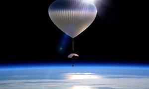 Wisata Balon Luar Angkasa