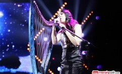 Aksi Panggung Angela July di Konser Gala Show X Factor Indonesia 2015
