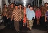 Keluarga Presiden Jokowi Jalan Kaki untuk Melamar Selvi