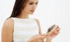 4 Hal Penyebab Rambut Rontok yang Sering Diabaikan