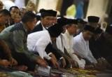 Salat Tarawih Pertama di Penjuru Masjid Indonesia