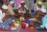 Buka Puasa Pertama Pengungsi Rohingya