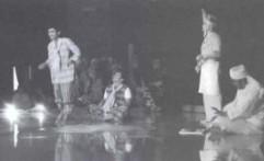 Darah Muda dalam Teater Rakyat Mendu dari Pontianak