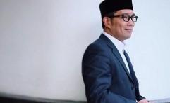 Cara Ridwan Kamil Peringati Hari Guru