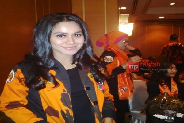 Sandra Sitaniya, Artis dan Model yang Eksis di Pemuda Pancasila