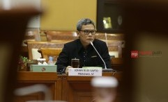 Marak Penindakan Terhadap Atribut Berbau Komunis, Istana Angkat Suara