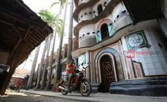 Menikmati Pesona Masjid Pintu Seribu Tangerang