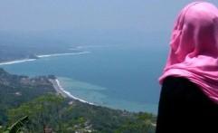 Puncak Habibie Lokasi Selfie Berlatar Teluk Pelabuhan Ratu
