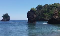 Rasakan Debur Ombak di Pantai Licin, Malang