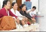 Sembilan Kartini dalam Aksi Semen Kaki di LBH Jakarta