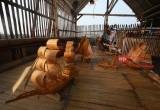 Miniatur Perahu Tradisional dari Bambu