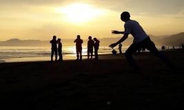 Pantai Pelabuhan Ratu Lokasi Ngabuburit Asyik di Sukabumi