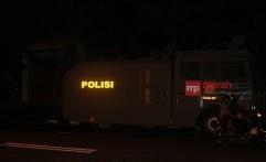 Hingga Malam, Ratusan Polisi Berjaga di Asrama Mahasiswa Papua