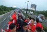 Parade Pahlawan Olahraga di Atas Bus Bandros